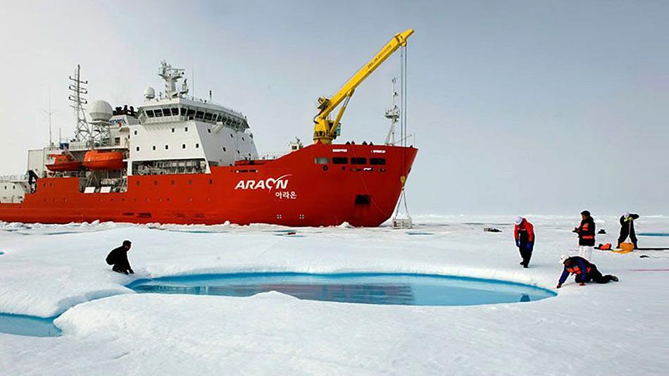 Der Eisbrecher RV Araon ist mit den modernsten wissenschaftlichen Geräten ausgerüstet und kann geophysikalische, biologische und ozeanographische Forschung betreiben. ©KOPRI