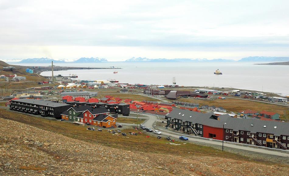 Die nördlichste Ortschaft der Welt, Longyearbyen, nutzt immer noch ein Kohlekraftwerk zur Energiegewinnung und Wärmeproduktion. Doch die Diskussion zur Suche nach Alternativen hat auch hier begonnen. Bild: Michael Wenger